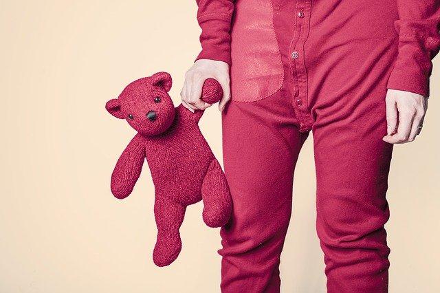 Letnie ubrania dla dzieci – jaki materiał?